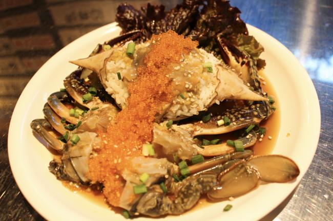 北海道産の生のワタリガニを使用した「生カンジャンケジャン」!仕込みに3日間かけた絶品新メニューが韓国食堂ケグリにて、20...