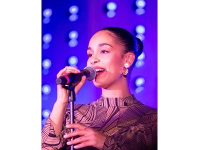 ブルガリ B.GLAMをテーマにした新作アクセサリーコレクションのローンチパーティにてイギリスの歌姫、ジョルジャ・スミスが会場を魅了