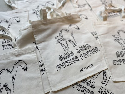 LA発デニムブランド「MOTHER」の新作アイテムが続々入荷中!ご購入いただいた方にはノベルティとして先着順でねこ柄トートバッグをプレゼント