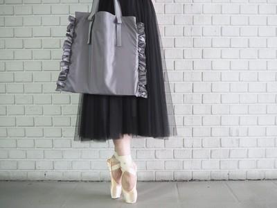 """バレエブランドが手掛ける大人可愛い""""フリルエコバッグ""""が新発売!気分が上がる上質なエコバッグが誕生。"""