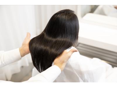 会員制美容室Attinaの定額コースに、キューティクルのダメージをケアし、髪を健やかにさせるトリートメントやホームケアを導入
