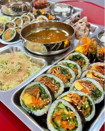 東京初出店!栄養満点、カラフルで見た目も楽しい全10種類のキンパを提供「GIMBAP・ONE 」オープン