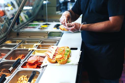 ファーストフード市場ー(製品タイプ別:ハンバーガー/サンドイッチ、チキン、ピザ/パスタ、アジア/ラテ... 画像