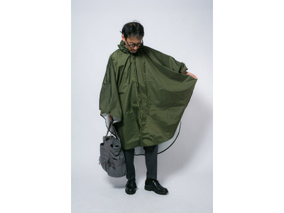 """【急な大雨にも安心】凶暴な日本の雨に役立つ「レインポンチョ」""""スコールブロック""""(squallblock)を販売開始しました。"""