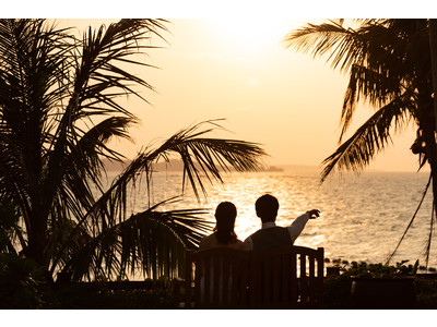 ラグジュアリードレス『PRONOVIAS』のドレスを着て、大人気のリゾート「沖縄」で挙式とフォトウェディングが半額で叶う!【With Photowedding】