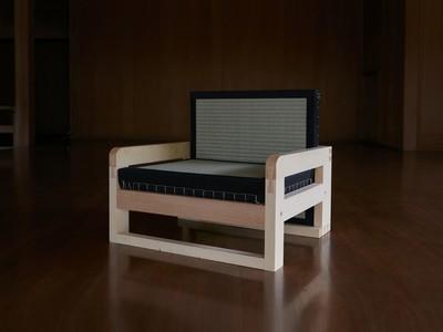 宮大工がオーダーメイドで作る和の座椅子 「WAZA」。9月19日(土)から22日(火)に西武百貨店池袋本店7階で展示販売開始