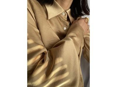 姉妹がデザインするファッションブランド『Jeane Kathleen』が、10月2日(金) に新作「オンニブラウス」を販売開始。1枚でリモート映えする、秋冬の主役級トップス。