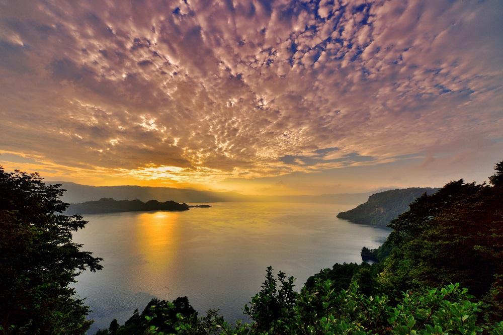 十和田湖周辺の四季折々を表す自然・観光がテーマ!「第35回十和田湖の四季写真コンテスト」開催のお知らせ