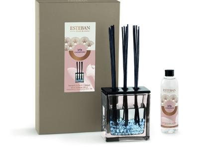 フランス発 ESTEBANより 母の日に贈りたい!パリのエレガントな雰囲気あふれる   NEWコレクション    『イリスカシミア』発表