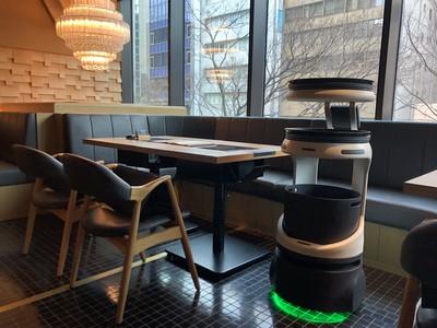 「博多もつ鍋 おおやま 都ホテル 博多」で配膳・運搬ロボット「Servi」の実証実験を開始