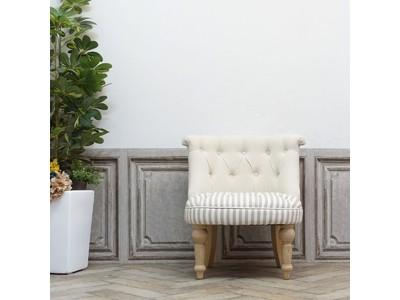 母の日プレゼントに最適なアンティーク風家具!?サイズ感のいいマカロンスツールと使い勝手のいいラムズゲイトチェアに限定モデル登場 【クラシックデモダン】