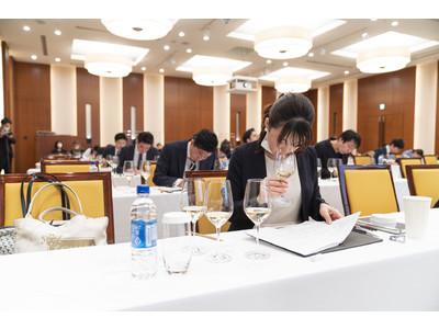 世界12ヵ国で実施されてきたプログラムが、今年満を持して日本初開催!『ルイナール ソムリエチャレンジ 2021』狭き門を勝ち抜いた、初めての優勝者2名が誕生!