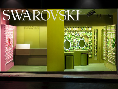 スワロフスキー新宿が新コンセプトでリニューアルオープン