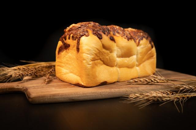 食パンはおうち時間のすべての時間に。スチーム生食パン専門店「STEAM BREAD EBISU」から、朝時間だけでなく夜...