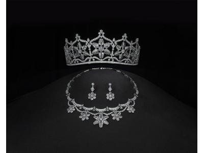 時価総額12億円「シューペルブ」コレクション 強奪から12年、「エクセルコ ダイヤモンド」が至高の輝きを放つ伝説のダイヤモンドティアラを復刻。