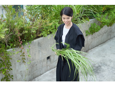 アパレルブランドmallow blue、料理家・谷尻直子さんとのコラボアイテムを9月17日より発売開始