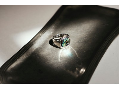 <TOMWOOD(トムウッド)>世界先行のリングを伊勢丹新宿店で発売