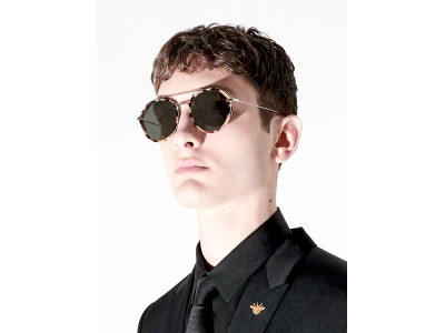 【ディオール オム】フォールコレクションから新しいサングラスが登場