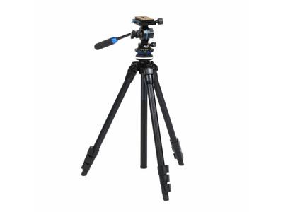 動画雲台とレベリングユニットII搭載を搭載し、一眼動画に対応する軽量三脚「SLIK シネマスプリント 240」