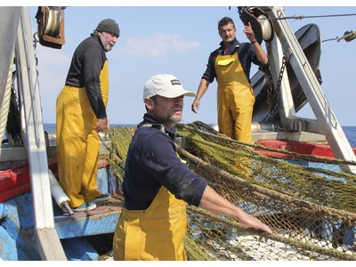 漁師が引き上げた海洋ゴミのペットボトルをリサイクル。ECOALF「UTOスニーカー」シリーズから新作8型発売。ヨーロッパ発サステナブルファッションブランド『エコアルフ』