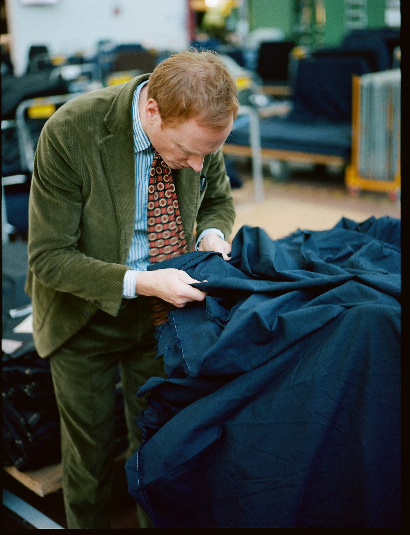 英国の高級紳士服・アクセサリーブランドDrake'sと、世界のトップテーラーが…