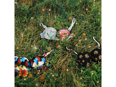 ビジュアルアーティスト・タカコノエル氏 と「ウンナナクール」がコラボレーション人気のノンワイヤーブラ『BRAGENIC(ブラジェニック)』新デザイン発売に先駆け、EC先行予約開始!